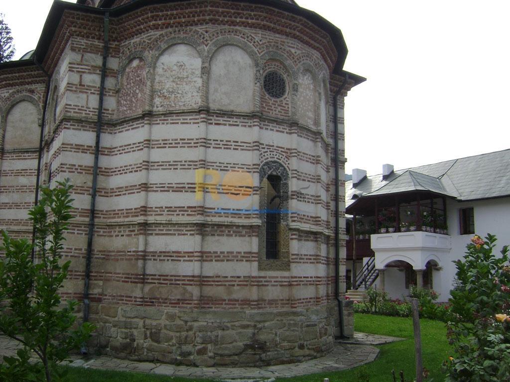 manastirea-cozia-11