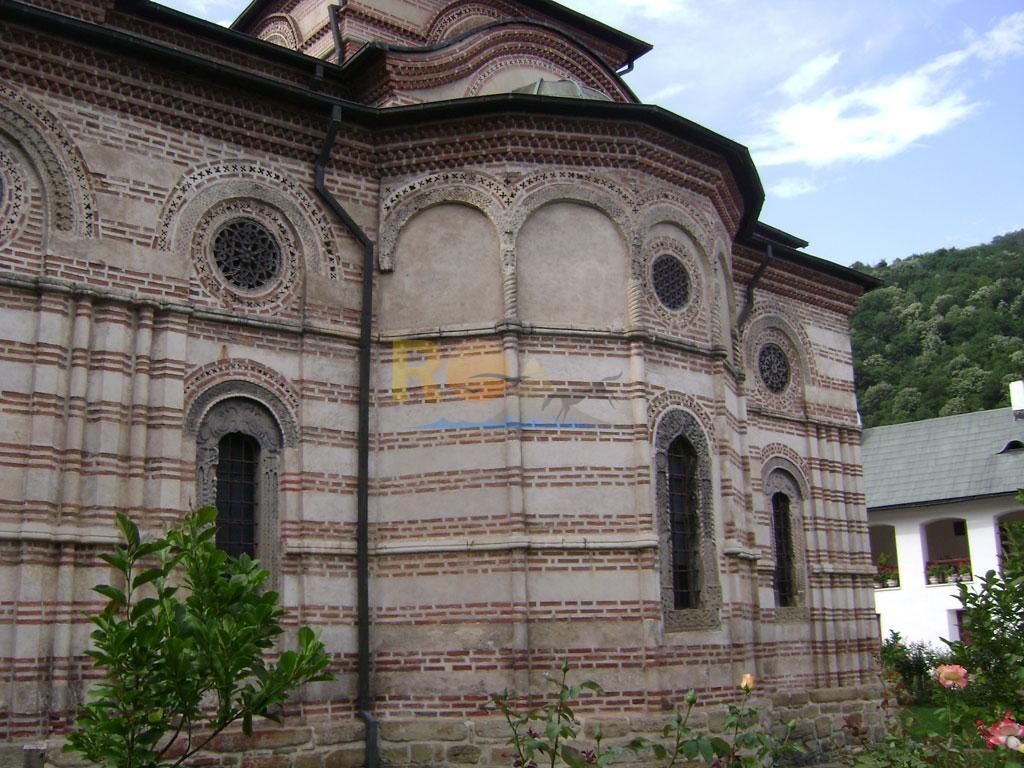 manastirea-cozia-9